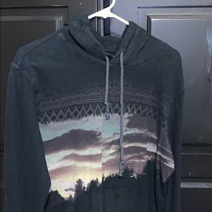 Landscape Light Sweatshirt - American Eagle